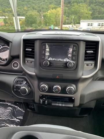 2019 Ram 1500 Crew Cab 4x4,  Pickup #D19-22 - photo 5
