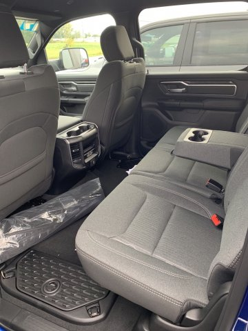 2019 Ram 1500 Crew Cab 4x4,  Pickup #D19-31 - photo 7