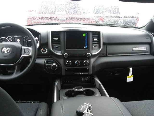 2019 Ram 1500 Crew Cab 4x4,  Pickup #D19-85 - photo 5