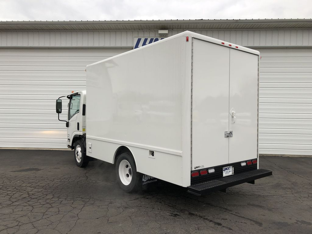 2018 LCF 4500 Regular Cab,  Dry Freight #21536T - photo 2