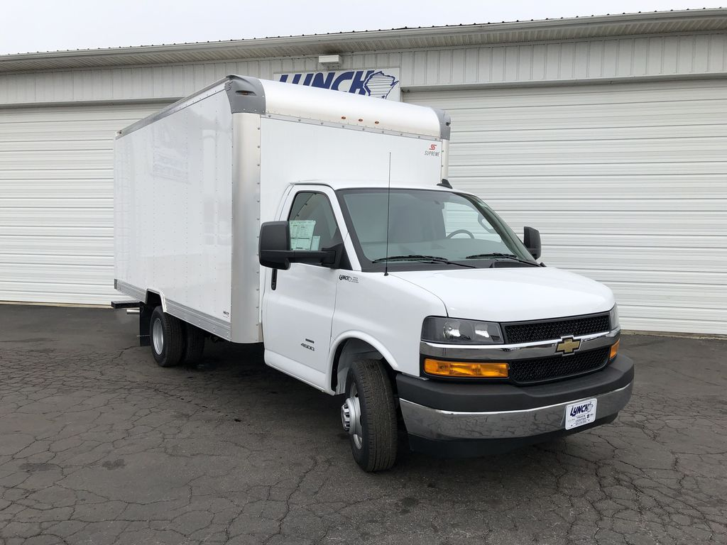 2018 Express 4500 4x2,  Supreme Cutaway Van #21905T - photo 14