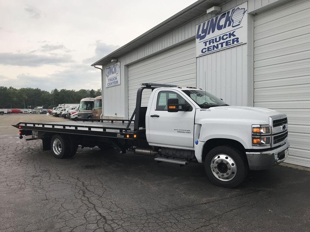 2019 Silverado Medium Duty Regular Cab DRW 4x2, Miller Industries Rollback Body #22124W - photo 1