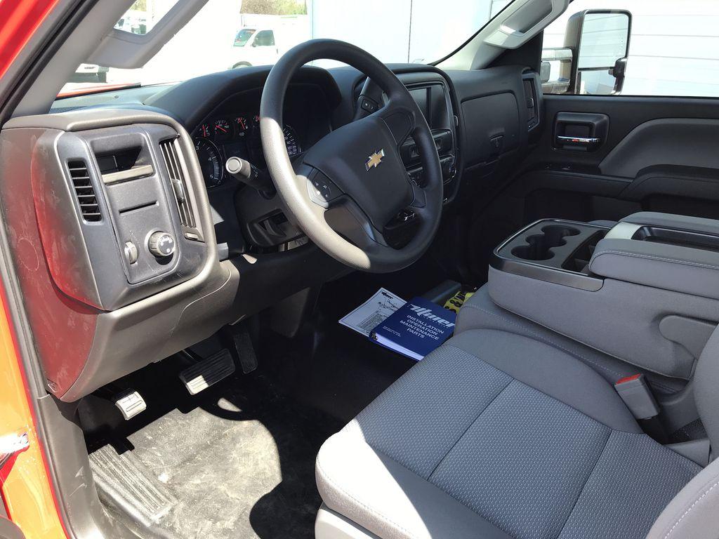 2019 Silverado Medium Duty Regular Cab DRW 4x2, Miller Industries Vulcan Rollback Body #22126W - photo 5