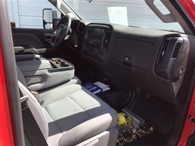2019 Silverado Medium Duty Regular Cab DRW 4x2, Miller Industries Vulcan Rollback Body #22126W - photo 6