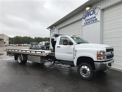 2019 Silverado Medium Duty Regular Cab DRW 4x4, Miller Industries Chevron Rollback Body #22162W - photo 1