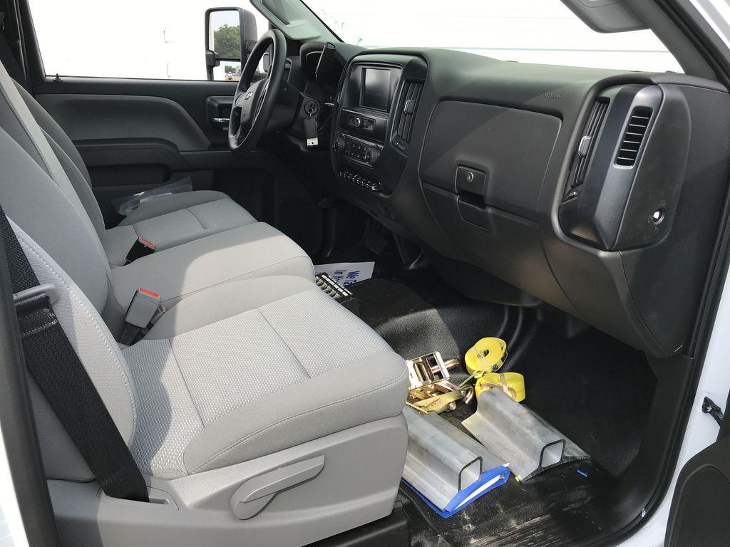 2019 Silverado Medium Duty Regular Cab DRW 4x2, Miller Industries Vulcan Rollback Body #22189W - photo 5