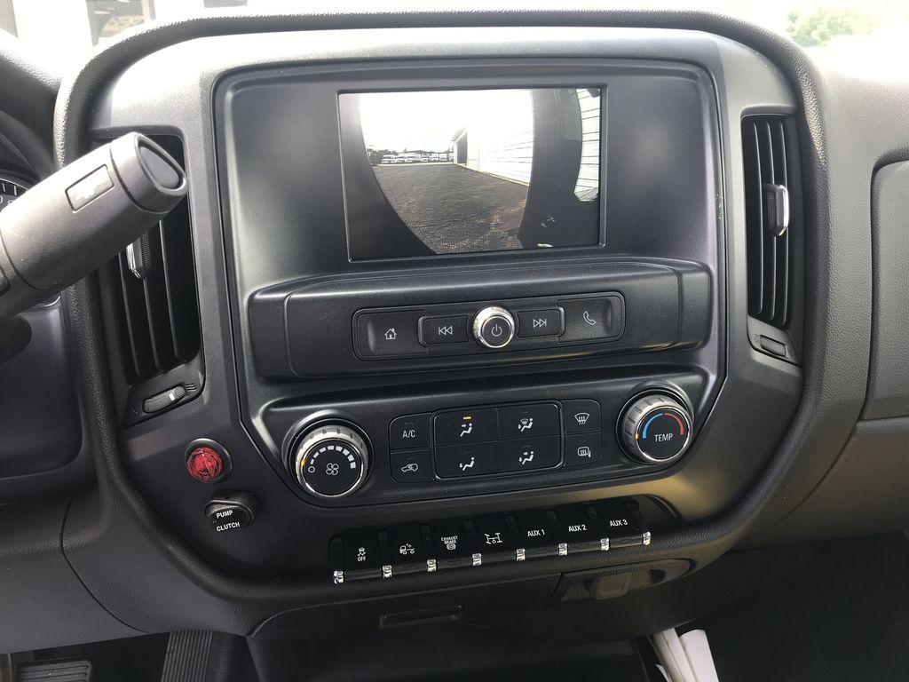 2019 Silverado Medium Duty DRW 4x4,  Chevron Model 408 Wrecker Body #22198W - photo 6