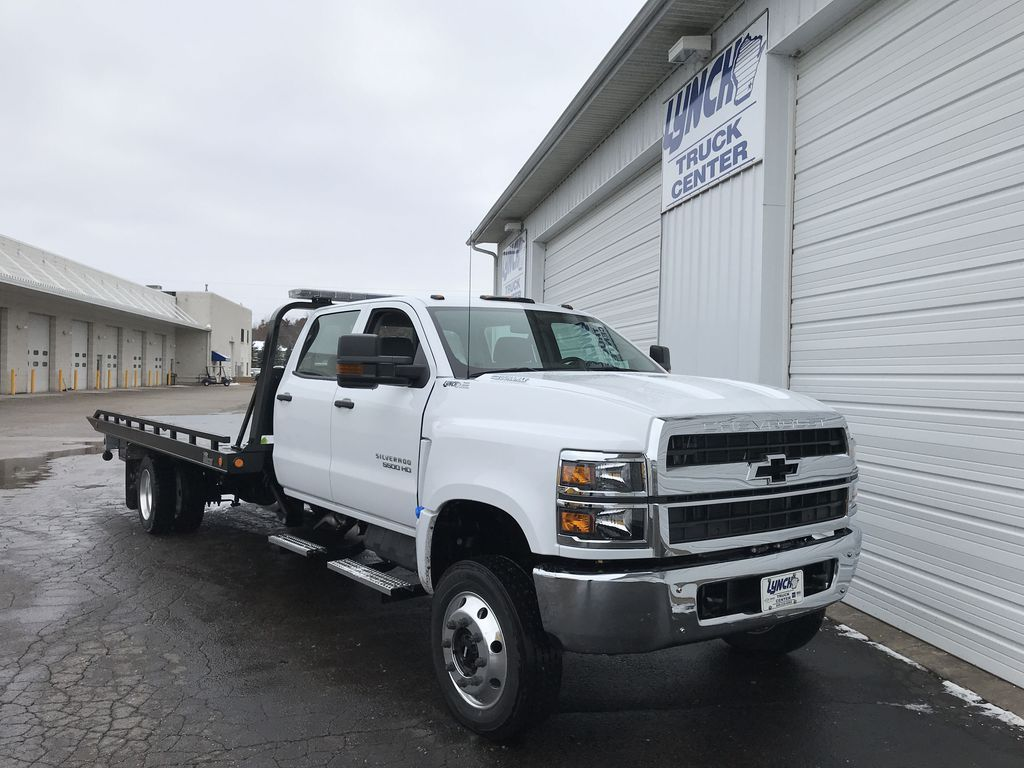 2019 Silverado Medium Duty Crew Cab DRW 4x4, Miller Industries Vulcan Rollback Body #22206W - photo 1