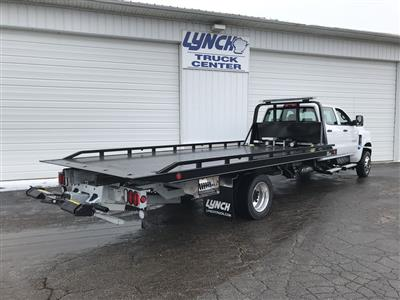 2019 Silverado Medium Duty Crew Cab DRW 4x4, Miller Industries Vulcan Rollback Body #22206W - photo 2