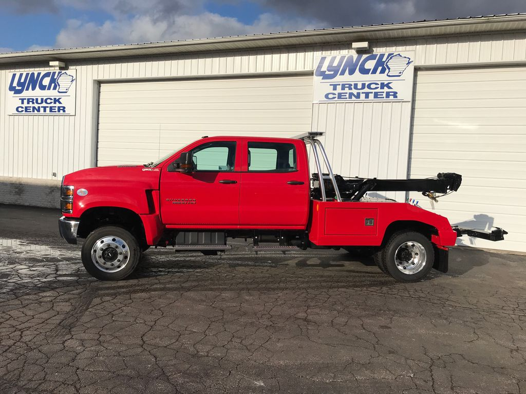 2019 Silverado Medium Duty Crew Cab DRW 4x4,  Wrecker Body #22322W - photo 4