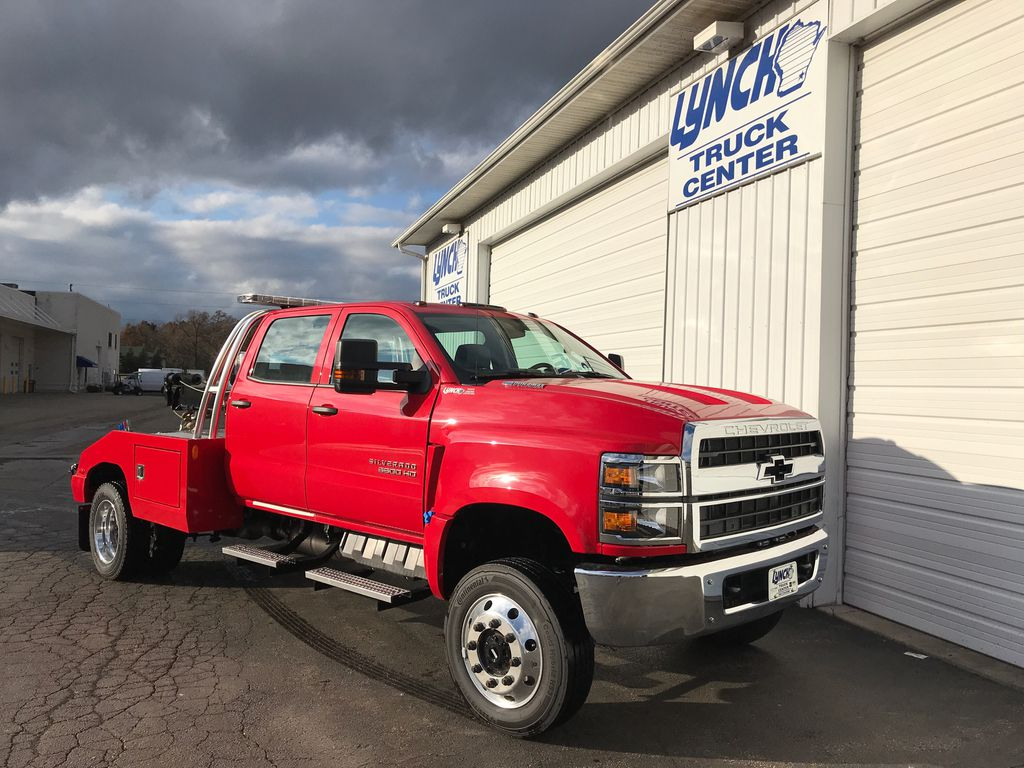 2019 Silverado Medium Duty Crew Cab DRW 4x4,  Wrecker Body #22322W - photo 1