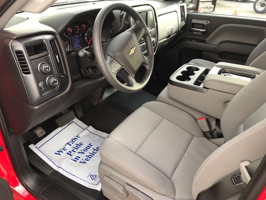 2019 Silverado Medium Duty Crew Cab DRW 4x4, Miller Industries Vulcan Rollback Body #22348W - photo 5