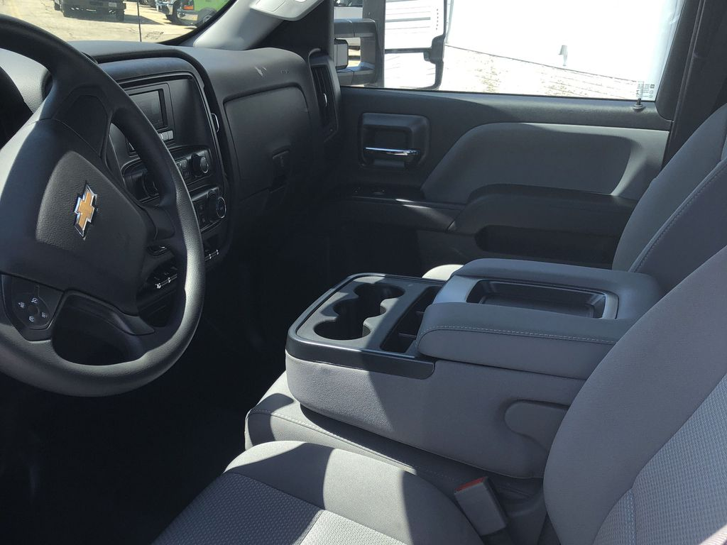 2019 Silverado Medium Duty Regular Cab DRW 4x2, Reading Panel Service Body #22432T - photo 6
