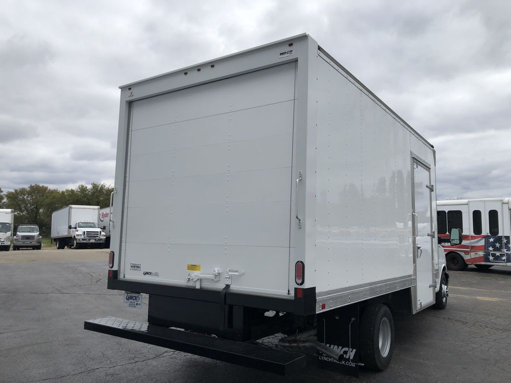 2019 Express 4500 4x2, Supreme Iner-City Cutaway Van #22495T - photo 9