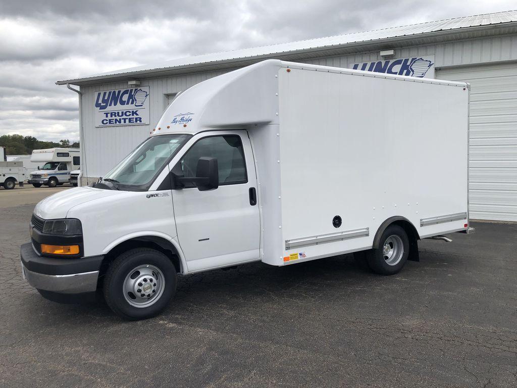 2019 Chevrolet Express 3500 4x2, Bay Bridge Cutaway Van #22582T - photo 1