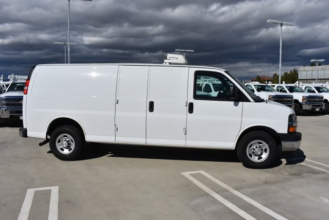 2017 Chevrolet Express 3500, Delivery Concepts Refrigerated Body #M17849 - photo 9