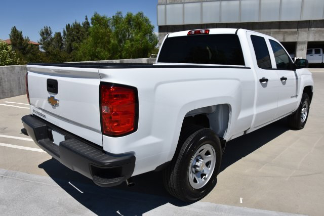 2018 Chevrolet Silverado 1500 4x2, Pickup #M18609 - photo 1
