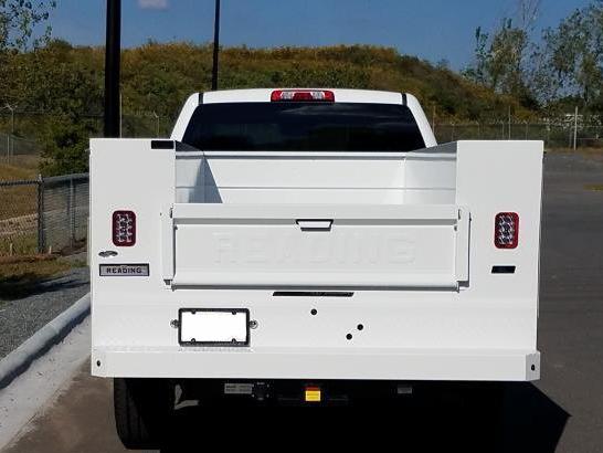 2018 Chevrolet Silverado 3500, Reading SL Service Body #M18680 - photo 4