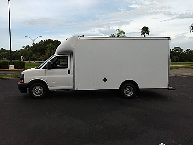 2018 Savana 2500,  Supreme Spartan Cargo Cutaway Van #GJ268396 - photo 3