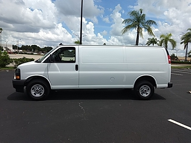 2018 Savana 2500 4x2,  Empty Cargo Van #GJ333147 - photo 3