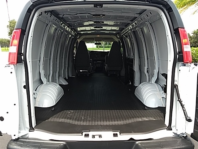 2018 Savana 2500,  Empty Cargo Van #GJ333147 - photo 5