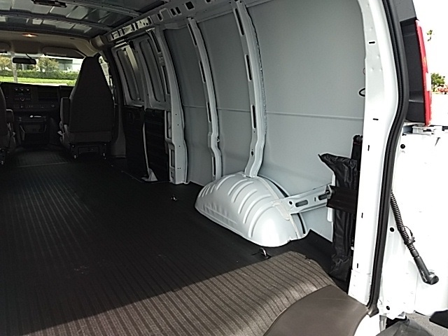 2018 Savana 2500 4x2,  Empty Cargo Van #GJ333147 - photo 6