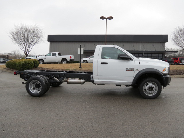 2018 Ram 5500 Regular Cab DRW 4x4,  Cab Chassis #FC1012 - photo 3