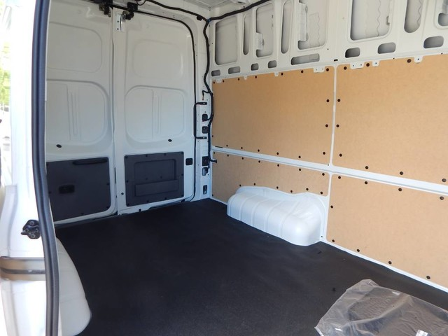 2018 NV2500 High Roof 4x2,  Empty Cargo Van #18N266 - photo 9
