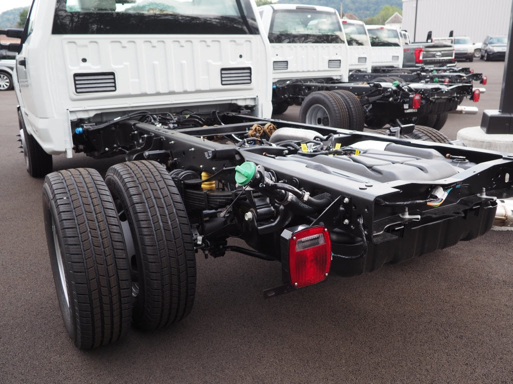 2019 F-350 Regular Cab DRW 4x4,  Cab Chassis #F19-12 - photo 4