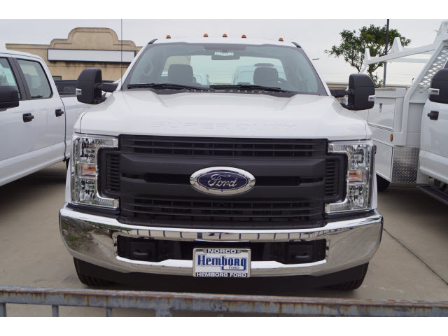 2019 F-350 Regular Cab DRW 4x2,  Cab Chassis #119183 - photo 3