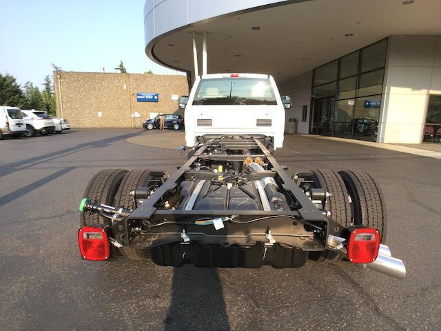2019 F-550 Regular Cab DRW 4x2,  Cab Chassis #4180986 - photo 17