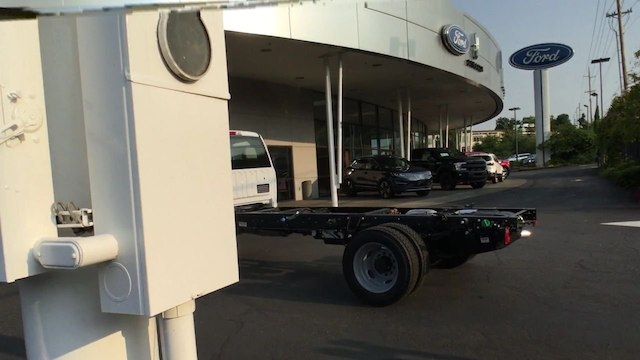 2019 F-550 Regular Cab DRW 4x2,  Cab Chassis #4180986 - photo 7