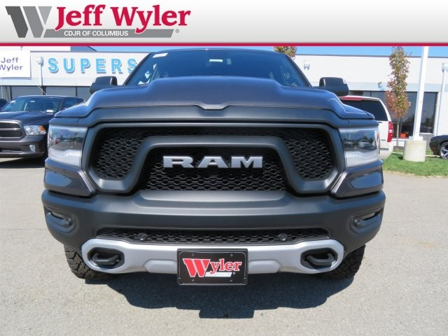 2019 Ram 1500 Crew Cab 4x4,  Pickup #5630054 - photo 3