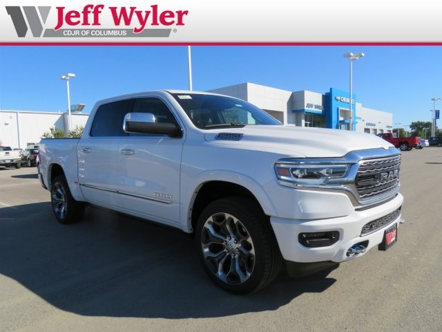 2019 Ram 1500 Crew Cab 4x4,  Pickup #5630177 - photo 4