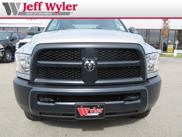 2018 Ram 3500 Crew Cab 4x4,  Pickup #5630231 - photo 3