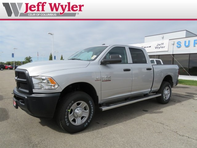 2018 Ram 3500 Crew Cab 4x4,  Pickup #5630231 - photo 4