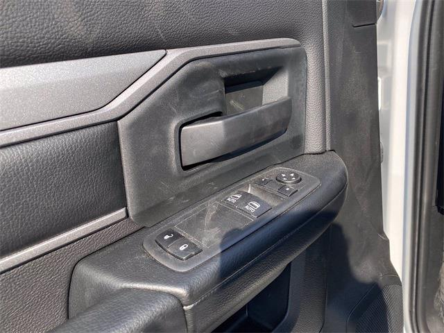 2021 Ram 5500 Regular Cab DRW 4x2,  Cutaway Van #5696316 - photo 4