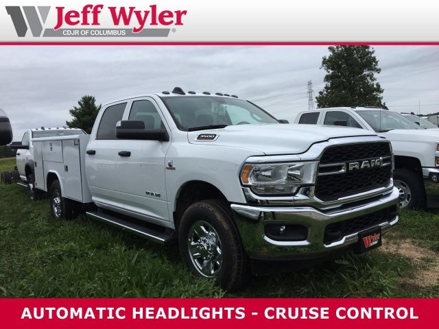 2019 Ram 3500 Crew Cab 4x2,  Reading Classic II Steel Service Body #569650 - photo 4