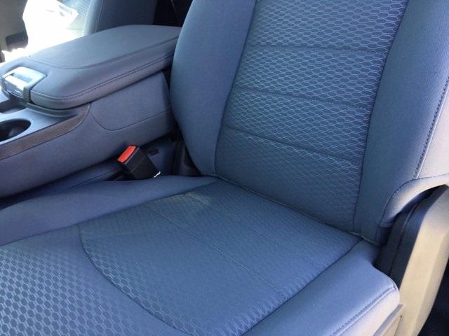 2018 Ram 5500 Regular Cab DRW 4x2, Knapheide Value-Master X Platform Body #569663 - photo 10