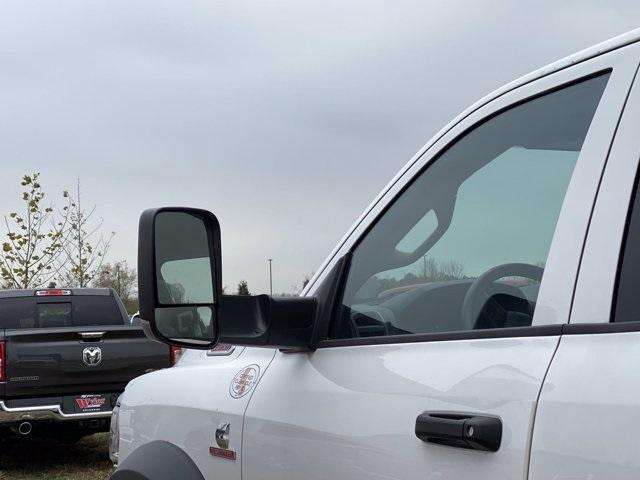 2019 Ram 5500 Crew Cab DRW 4x4,  Reading Landscaper SL Landscape Dump #569858 - photo 12