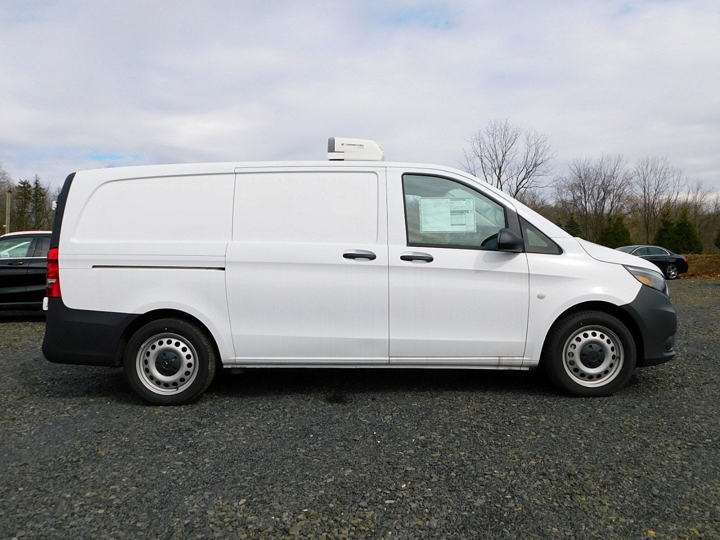 2017 Metris,  Thermo King Direct-Drive Upfitted Cargo Van #H3229132 - photo 9
