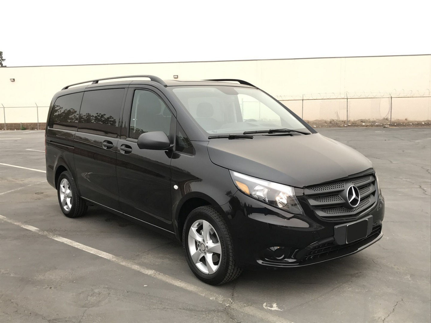 2018 Metris 4x2,  Passenger Wagon #M0094 - photo 9