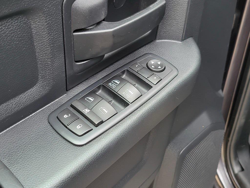 2017 Ram 1500 Quad Cab 4x4, Pickup #JA71336A - photo 33