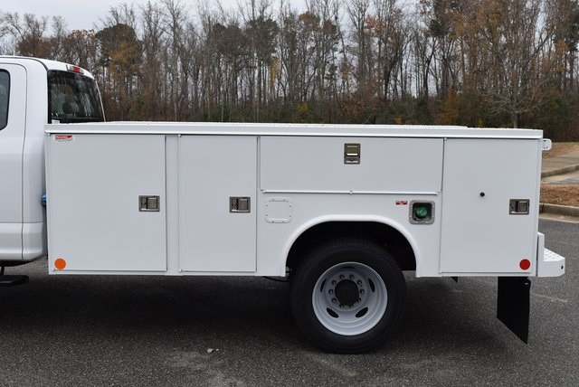 2019 F-550 Super Cab DRW 4x4, Reading SL Service Body #JG79791 - photo 8
