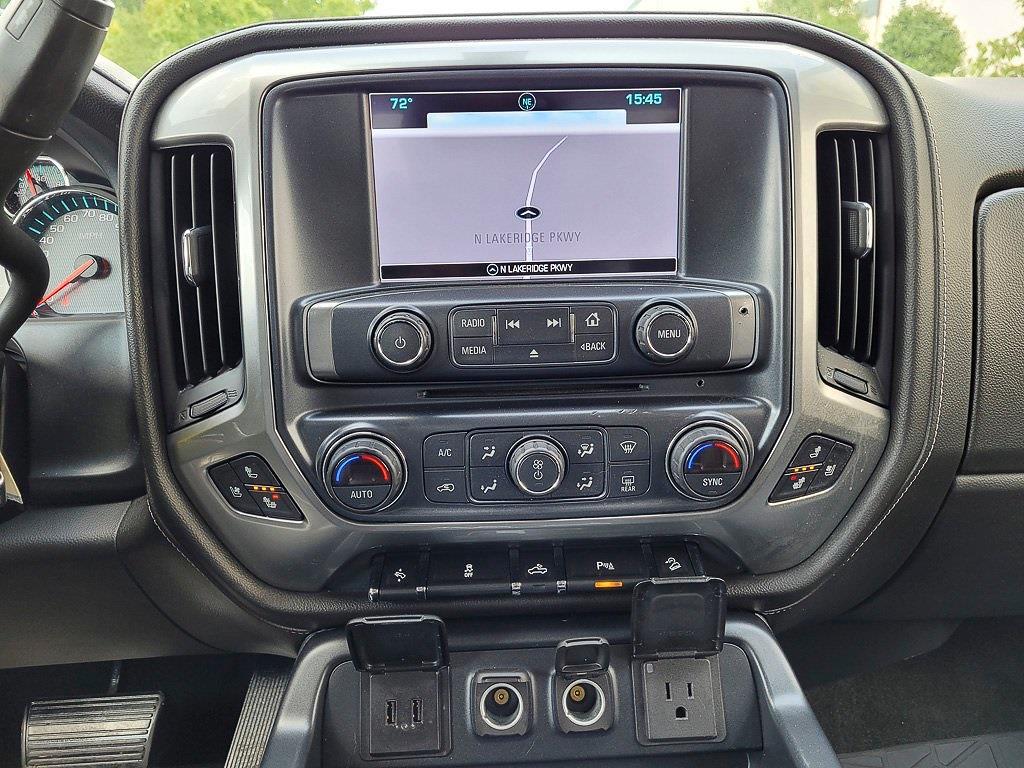 2018 Chevrolet Silverado 1500 Crew Cab 4x4, Pickup #JP2507 - photo 17