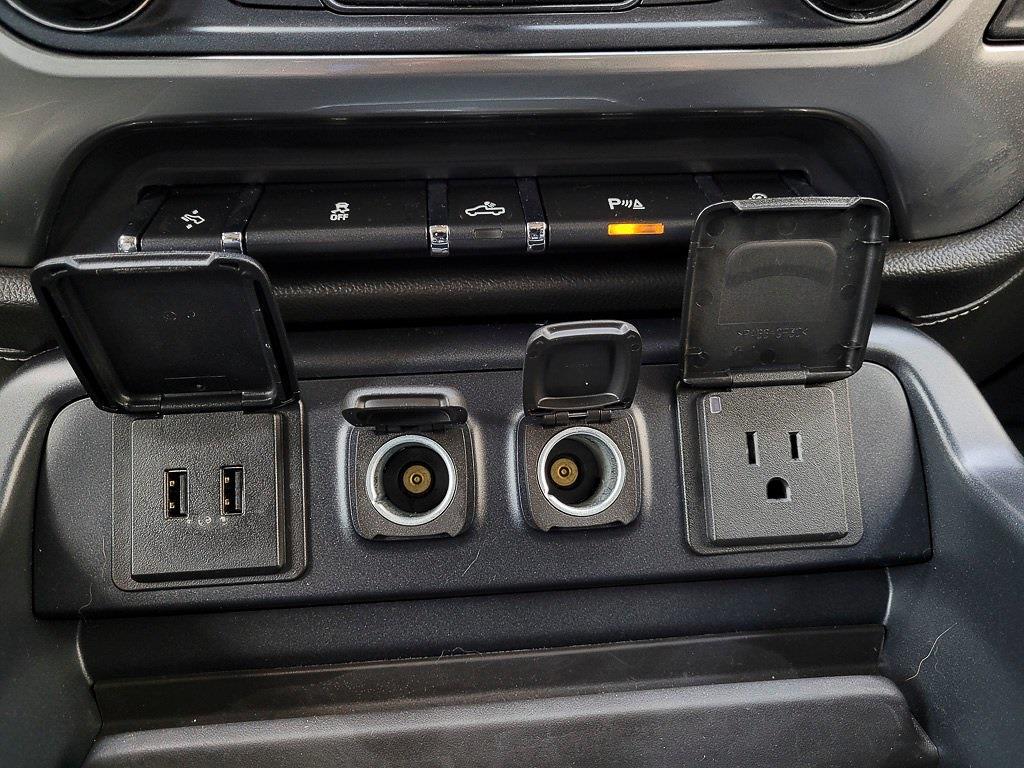 2018 Chevrolet Silverado 1500 Crew Cab 4x4, Pickup #JP2507 - photo 20
