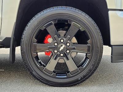 2018 Chevrolet Silverado 1500 Crew Cab 4x4, Pickup #JP2507 - photo 14