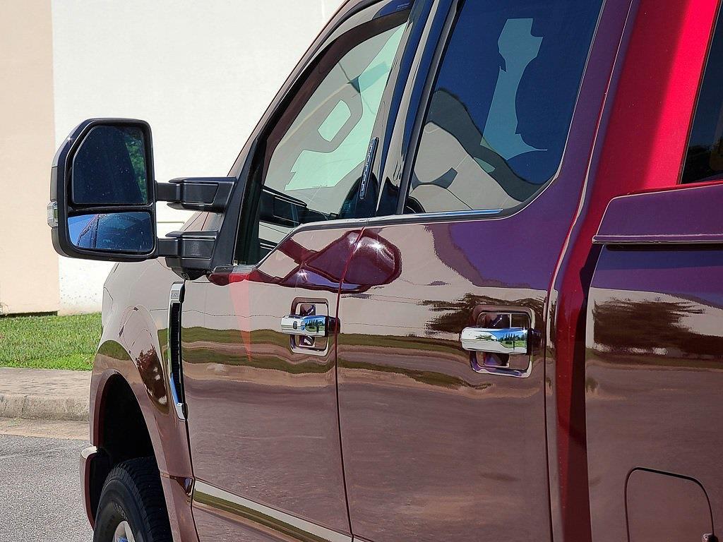 2017 Ford F-250 Crew Cab 4x4, Pickup #JZ2490 - photo 17