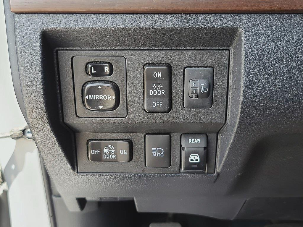2018 Toyota Tundra Crew Cab 4x4, Pickup #JZ2498 - photo 38