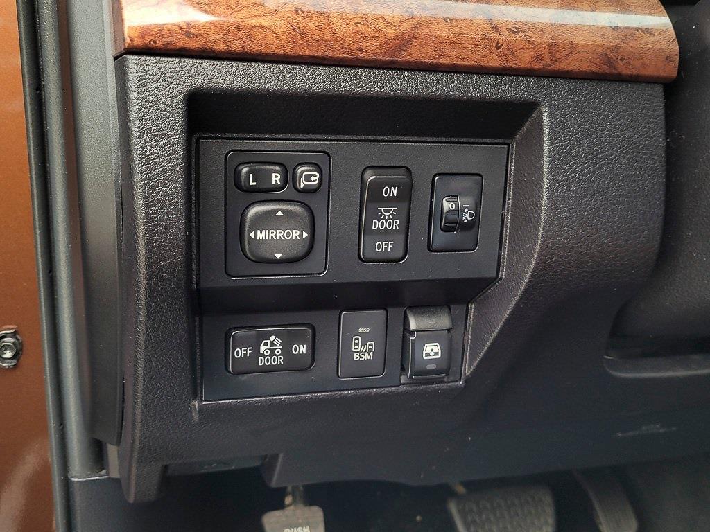 2014 Toyota Tundra Crew Cab 4x4, Pickup #JZ2512 - photo 22